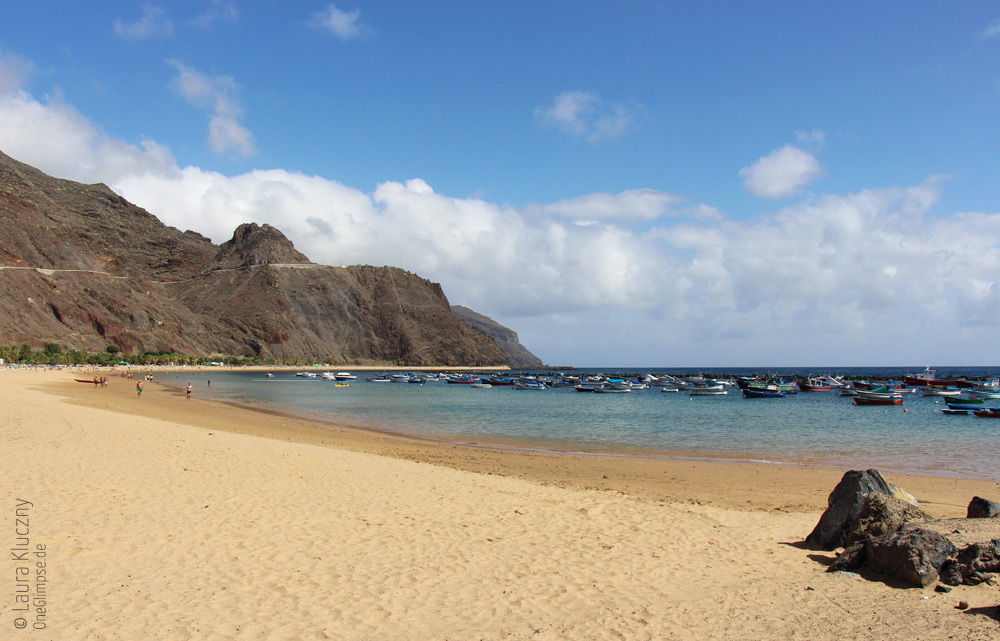 Unser erster Halt: feinster Wüstensand am Playa Las Teresitas