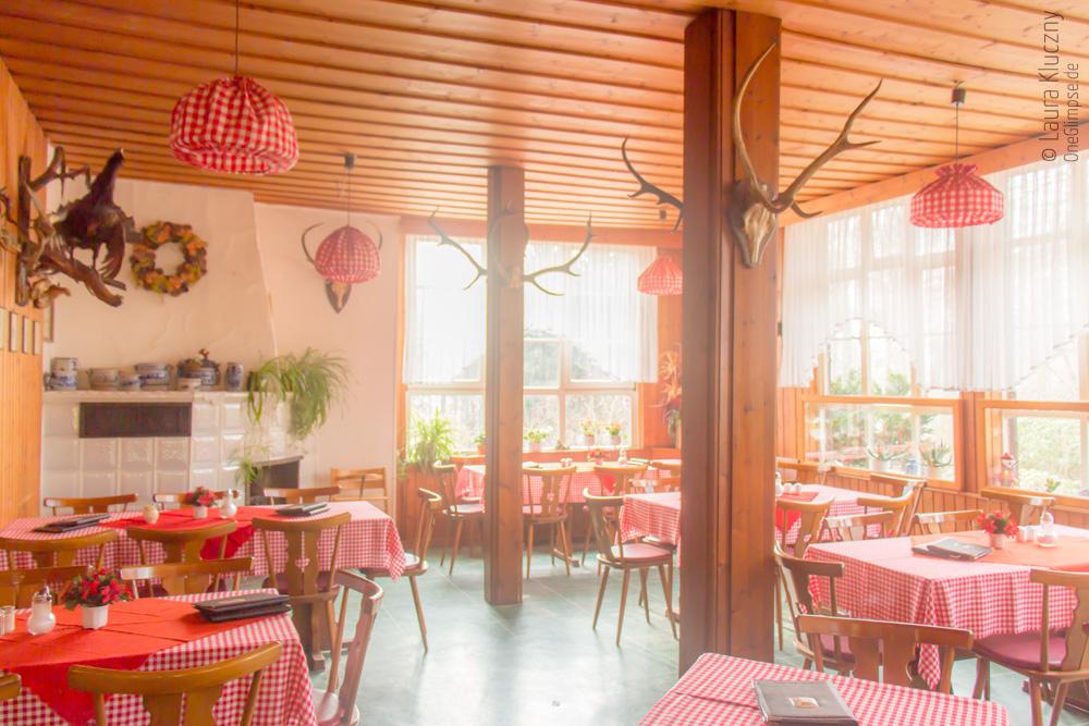Gemütlich: Kaffee- und Kuchenzeit am Albertturm