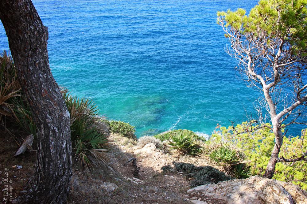 Mallorca, Sant Elm, Ausblick von Klippe aufs Meer
