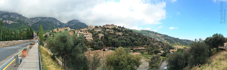 Mallorca, Panoramaaufnahme von der Stadt Deià
