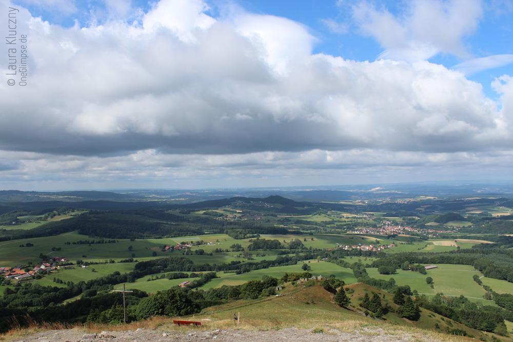 Aussicht auf die Rhön vom Pferdskopf, Ausgangsbild für Landschaftskasten-Versuch Nummer 1 :)