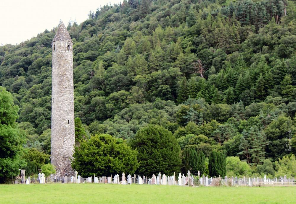 Glendalough, Rundturm, Klostersiedlung, Irland