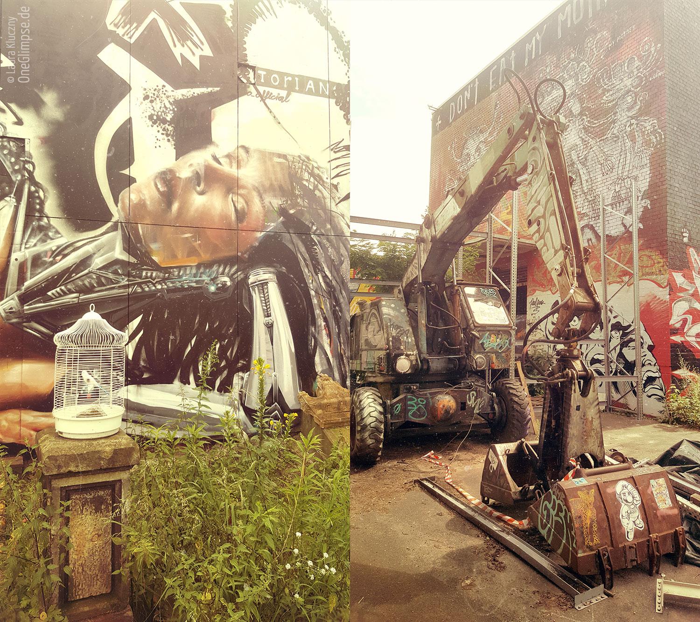 Berlin: Teufelsberg im Grunewald gelegen. Graffiti-Kunst hinter Vogelkäfik, Bagger künstlerisch verfeinert