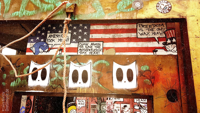 Teufelsberg in Berlin. Street Art: Viele Graffiti von verschiedenen Künstlern