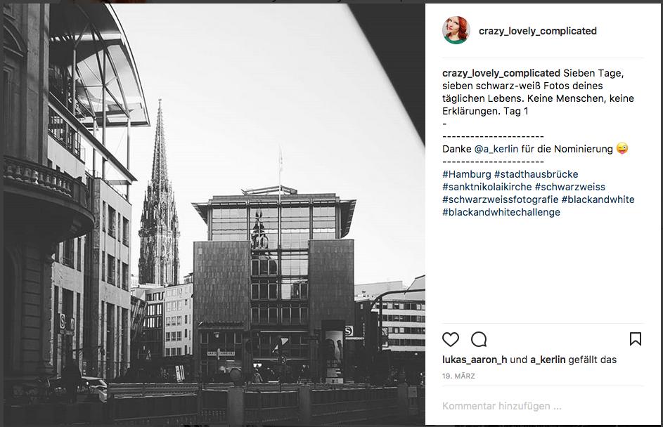 Sieben tage, sieben schwarzweiß Fotos. Keine Menschen, keine Erklärungen. Tag 1/Stadthausbrücke Sankt Nikolai Kirche Hamburg