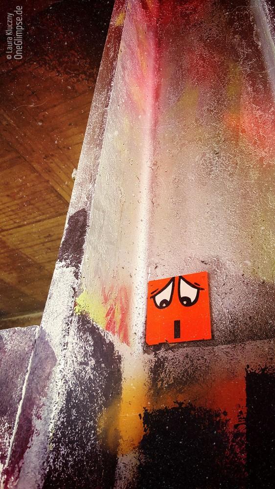 Teufelsberg in Berlin. Retro: Diskette mit Gesicht